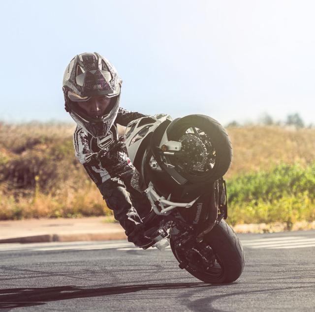 bobble head moto