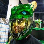 crazy-green-lizard-helmet